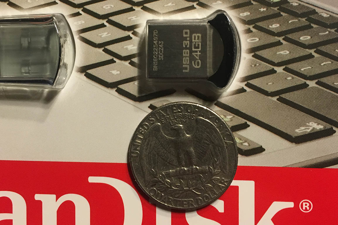 SanDisk-Ultra-Fit-Size-Comparison